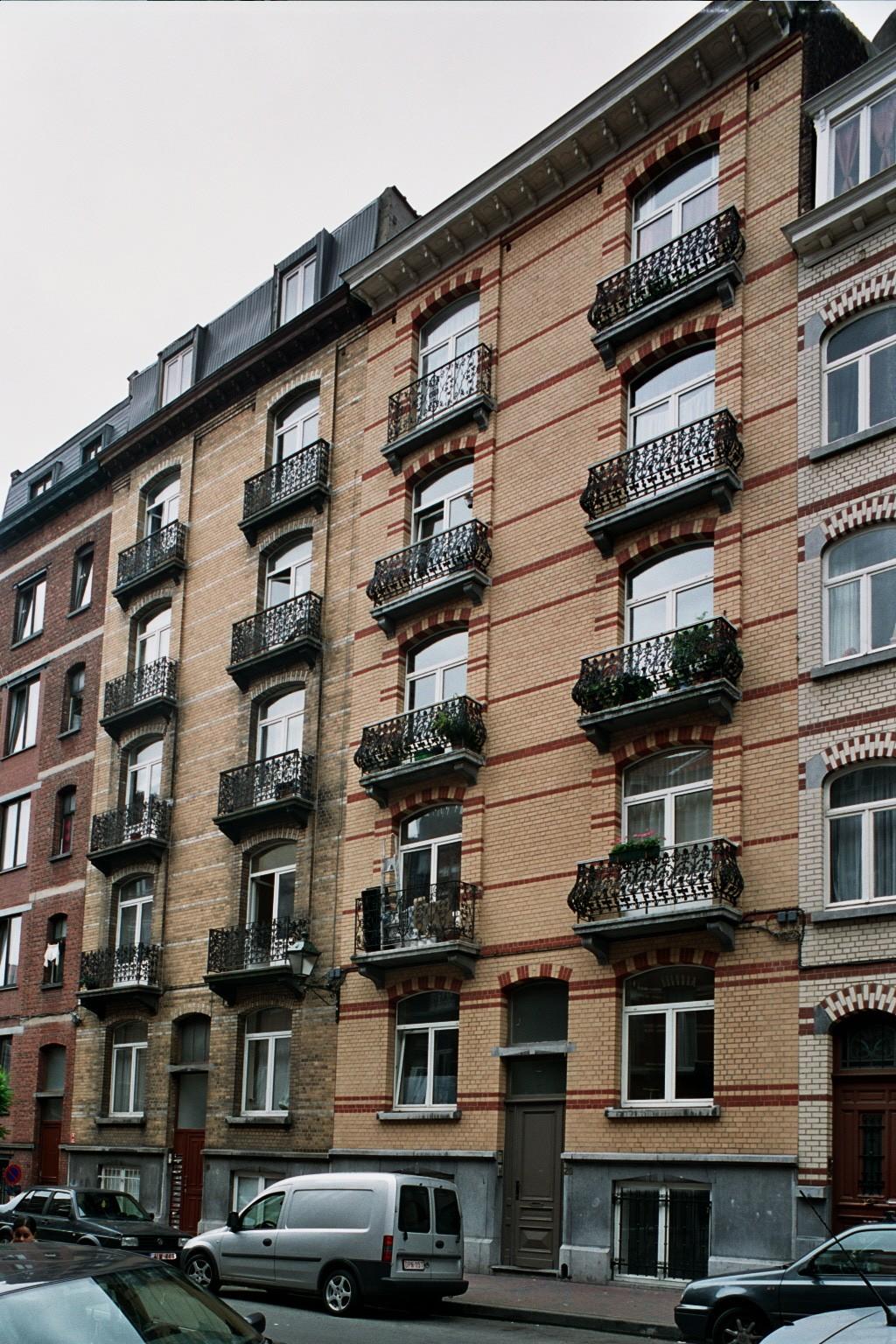 Rue Gustave Defnet 18 et 20., 2004