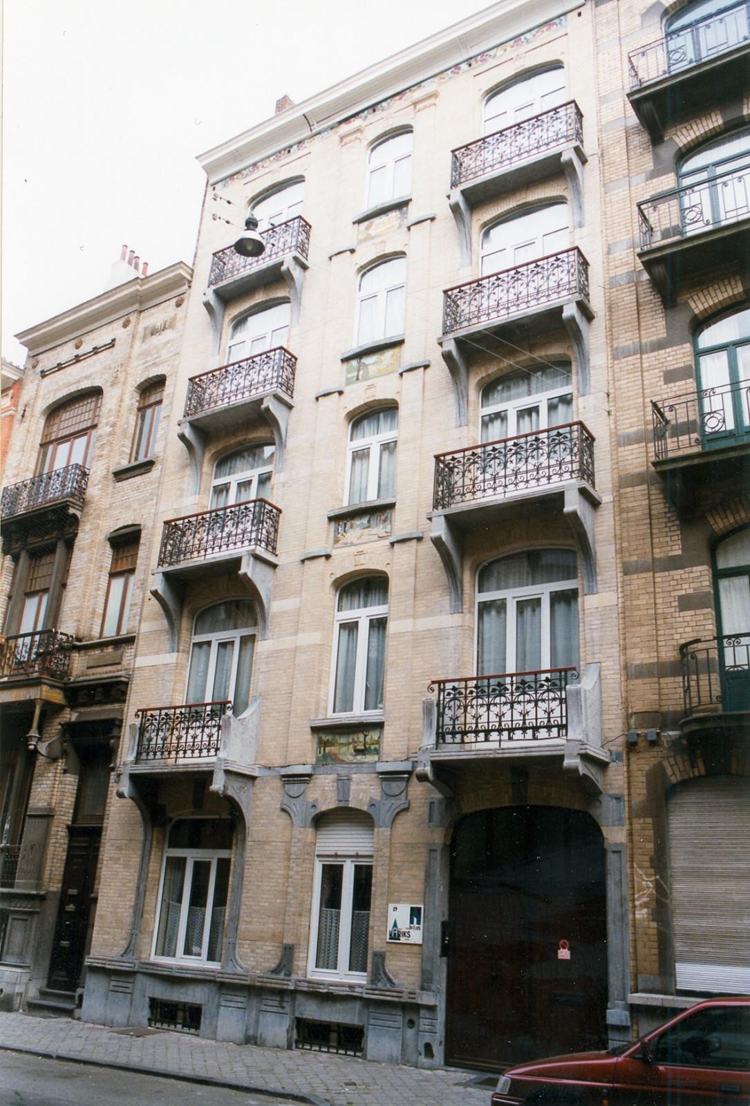 Rue Jean Robie 29., 1998