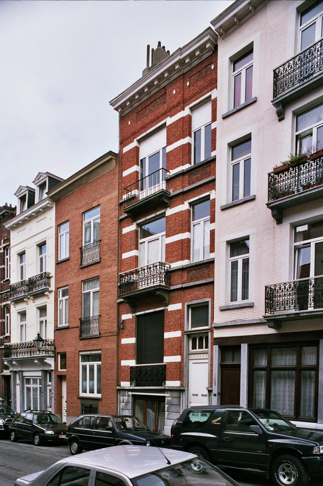 Rue de Loncin 12., 2004