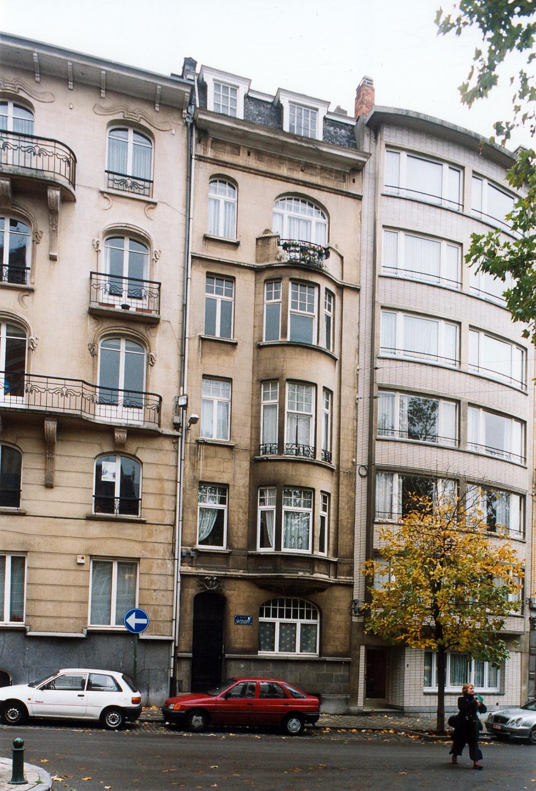 Place Maurice Van Meenen 12., 2003