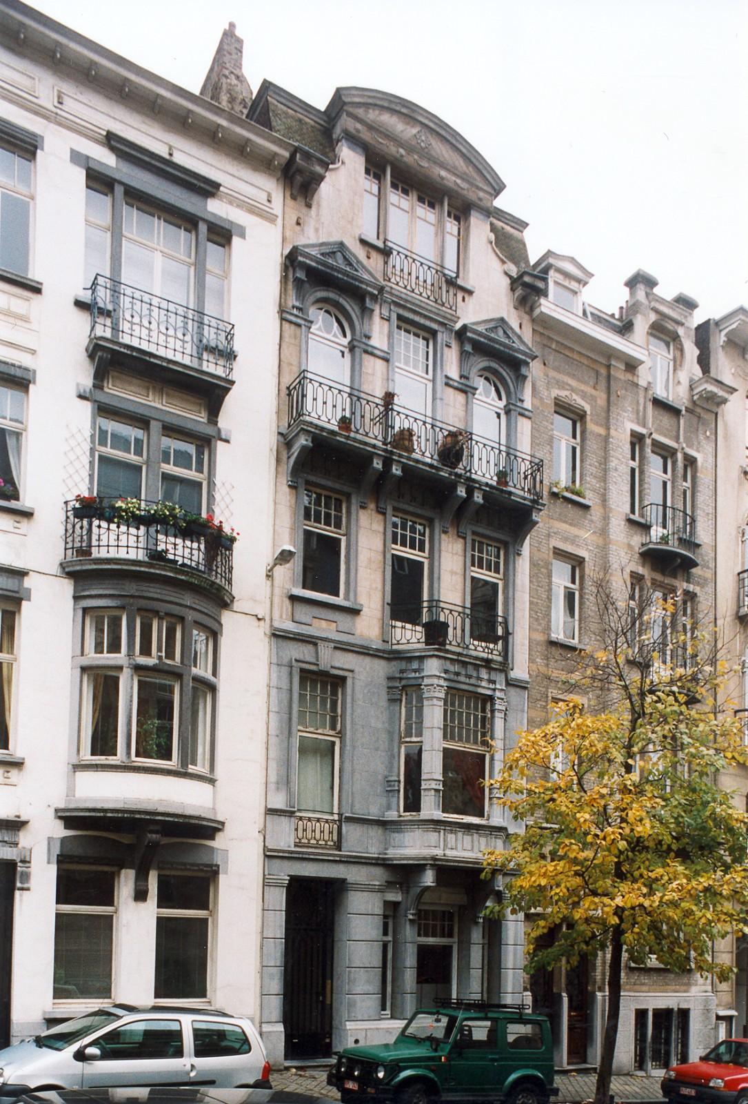 Place Maurice Van Meenen 18., 2003
