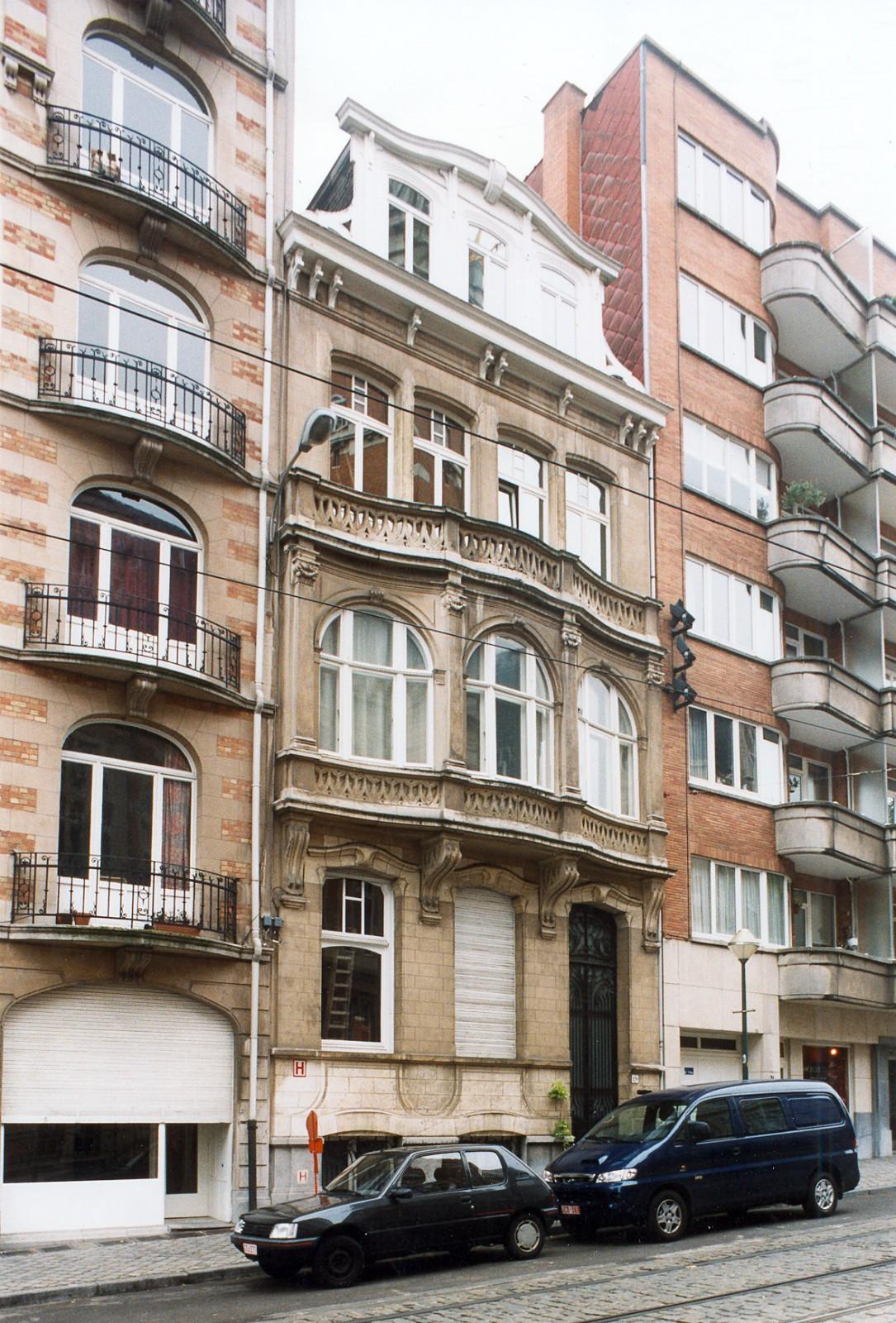 Place Maurice Van Meenen 19., 2003