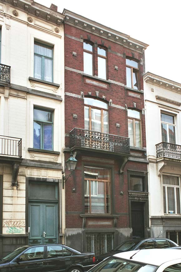 Rue Maurice Wilmotte 13., 2004