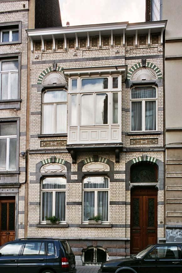 Rue Maurice Wilmotte 19., 2004