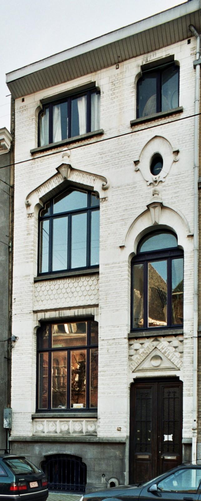 Rue Moris 42., 2004