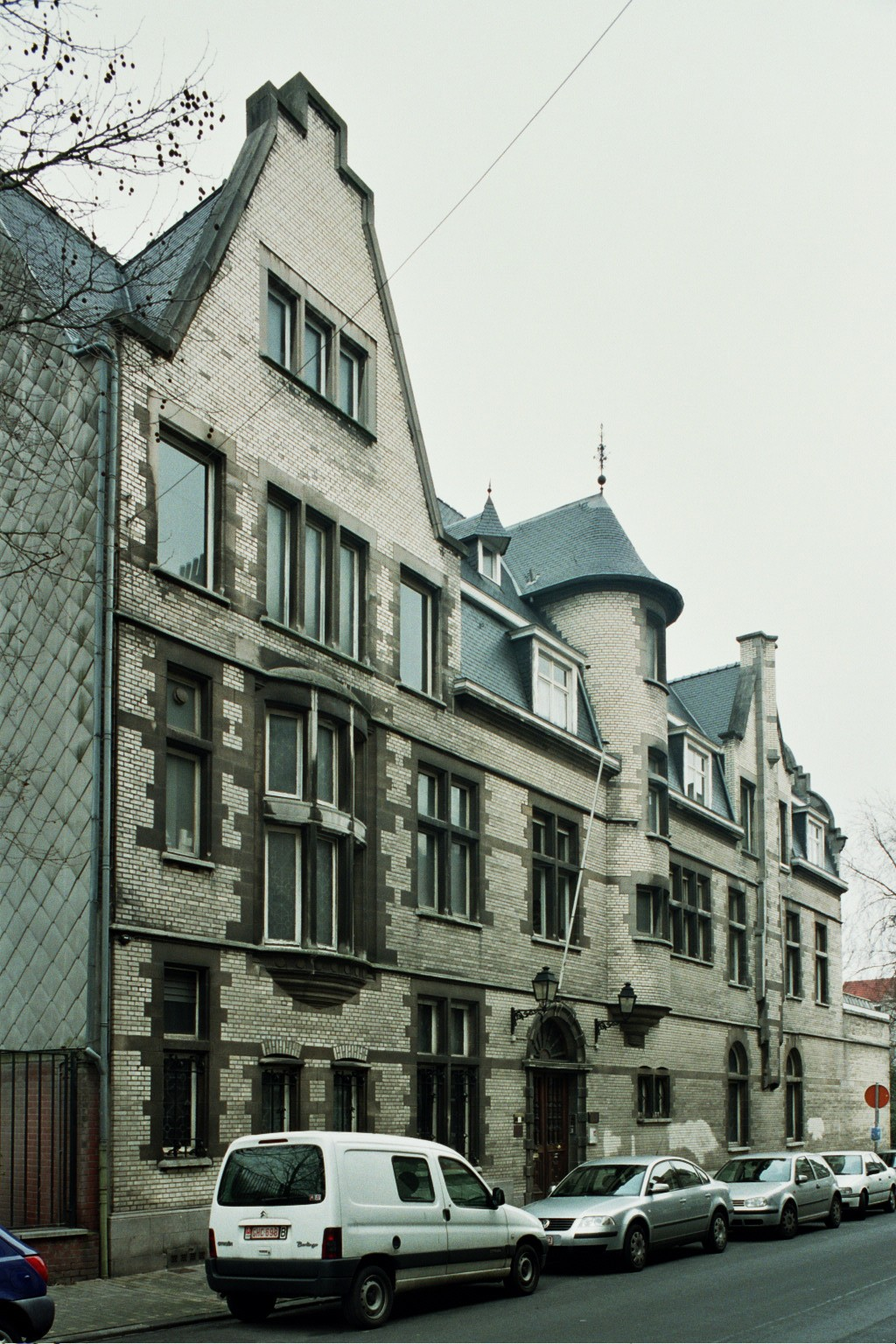 Parmastraat 69, Pelgrimshuis., 2004