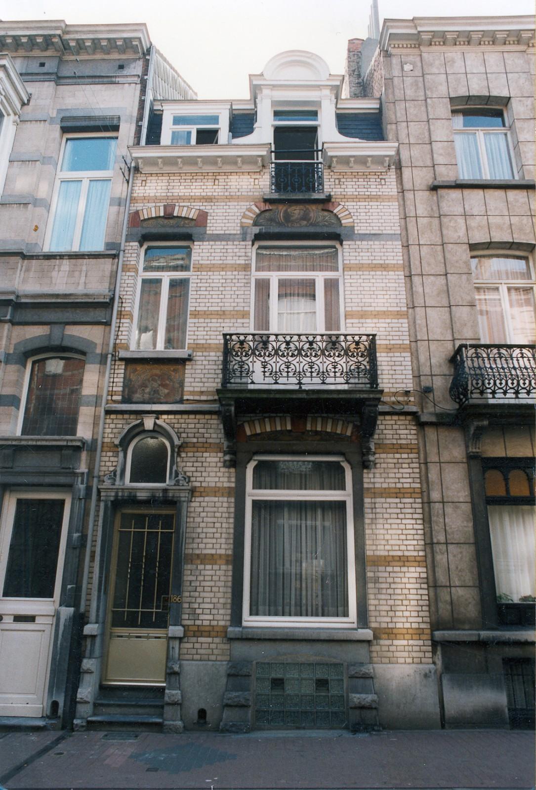 Rue Saint-Bernard 186., 1999