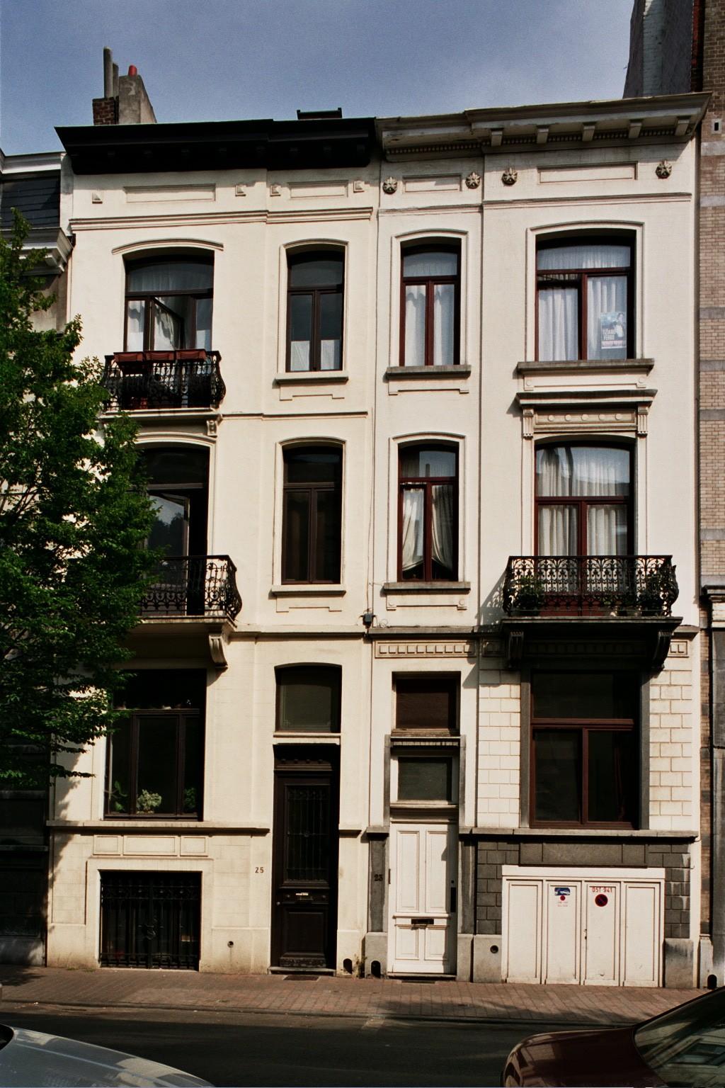 Rue de Savoie 25 et 23., 2004