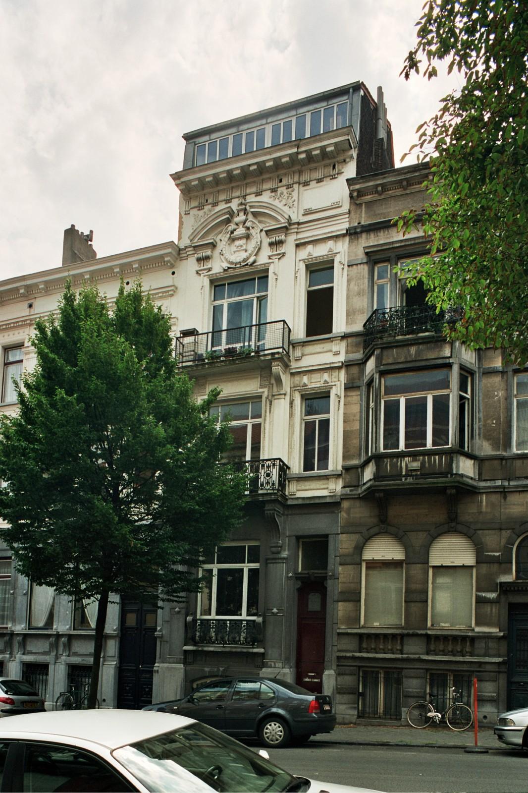 Rue de Savoie 88., 2004