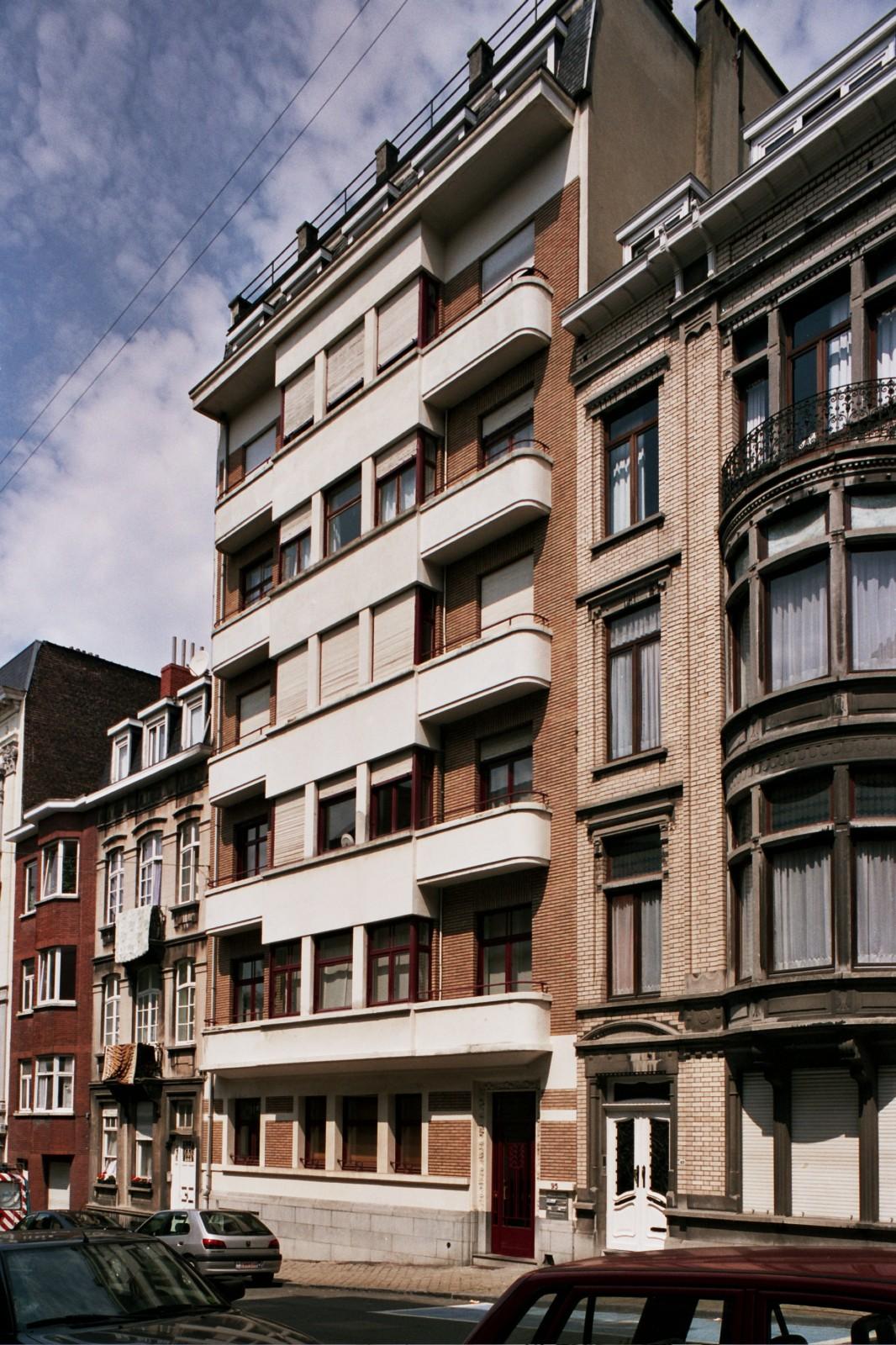 Rue de Savoie 95., 2004