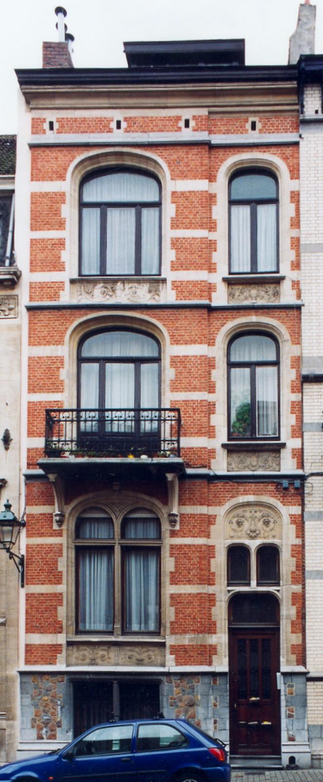 Rue de Tamines 10., 2004