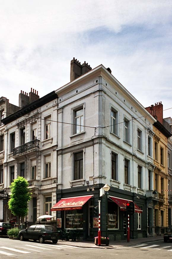 Rue de la Victoire 159a, 161, 163 et rue Saint-Bernard 102a, 104., 2004