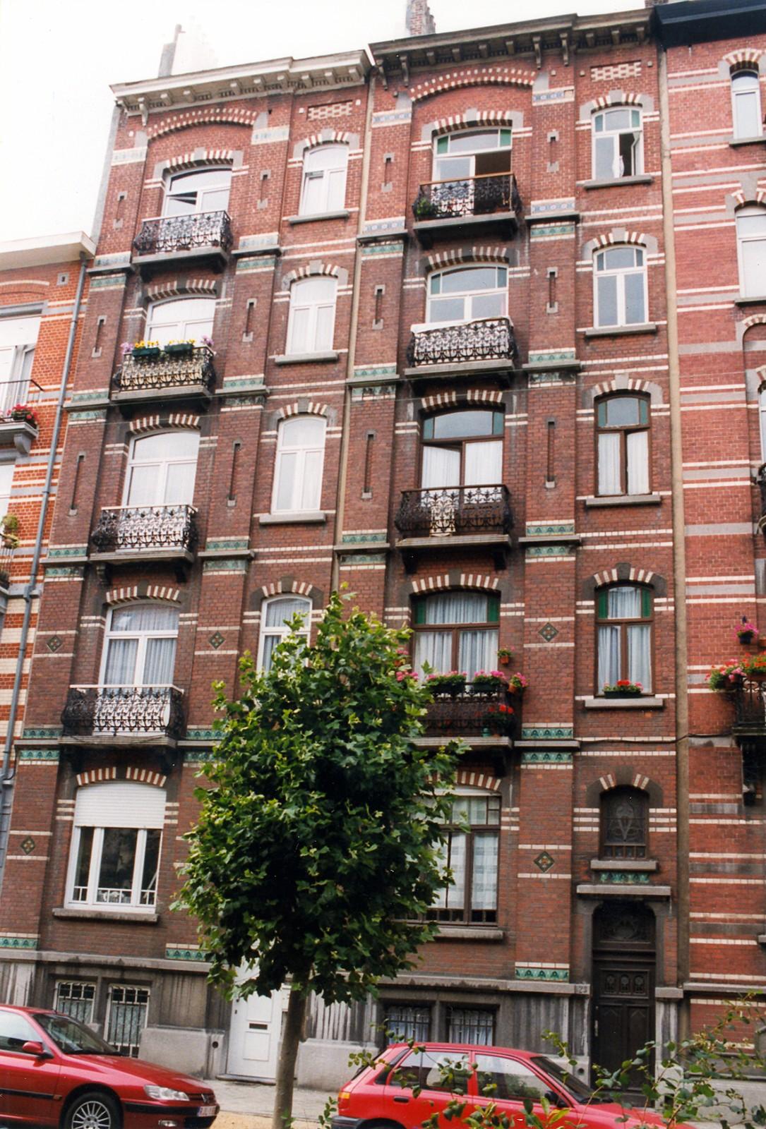 Avenue des Villas 23-25., 1999