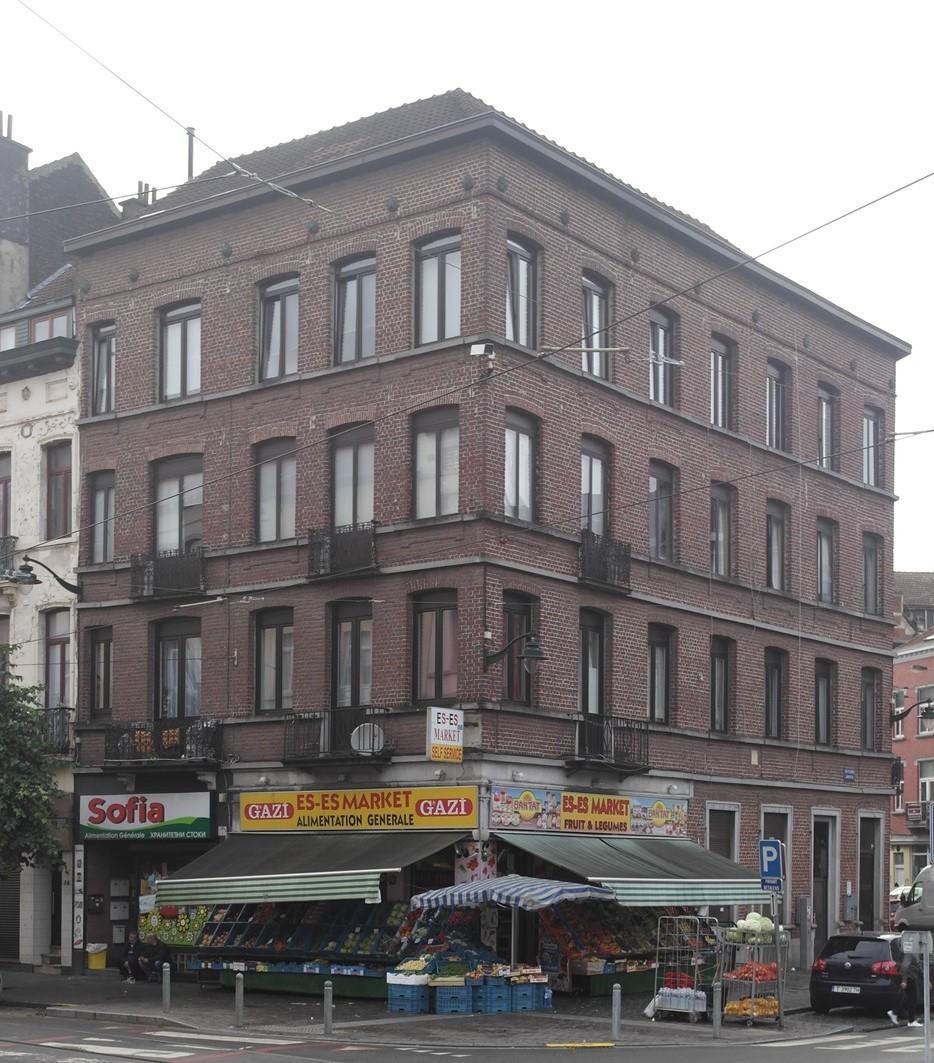 Place du Conseil 8-9 et rue de Fiennes 86, 2015
