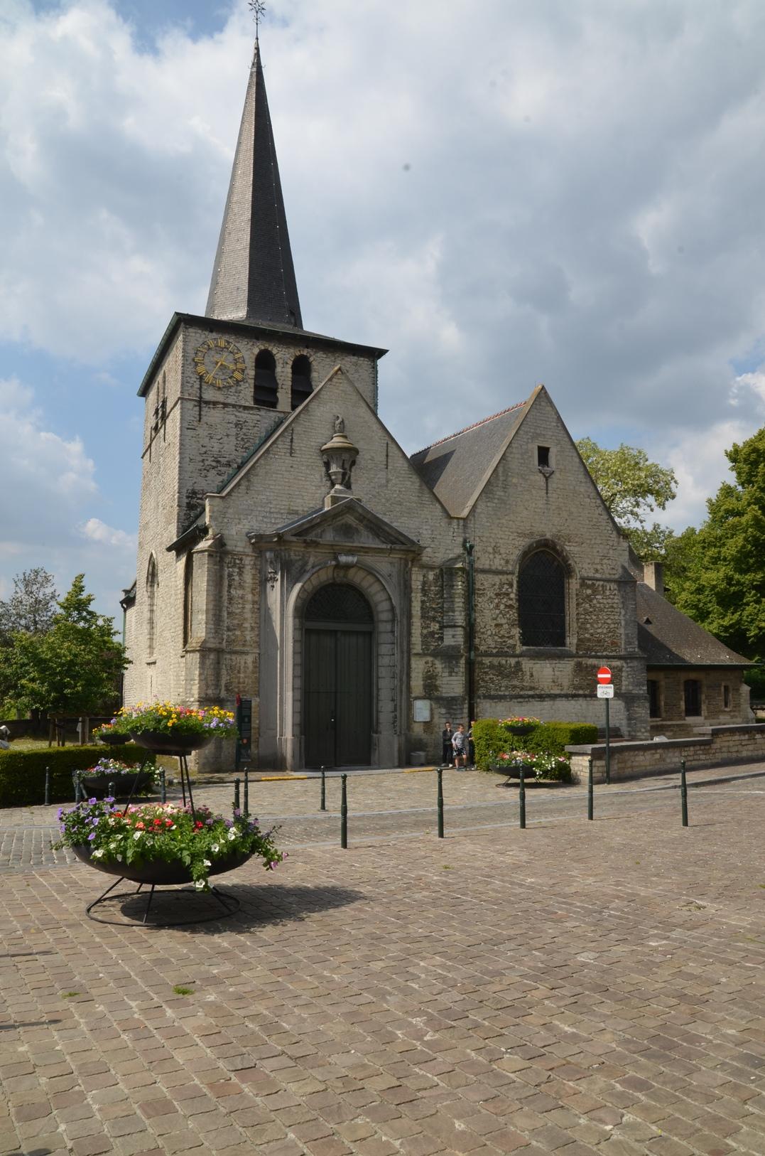 Kortenbachstraat, Sint-Elisabethkerk