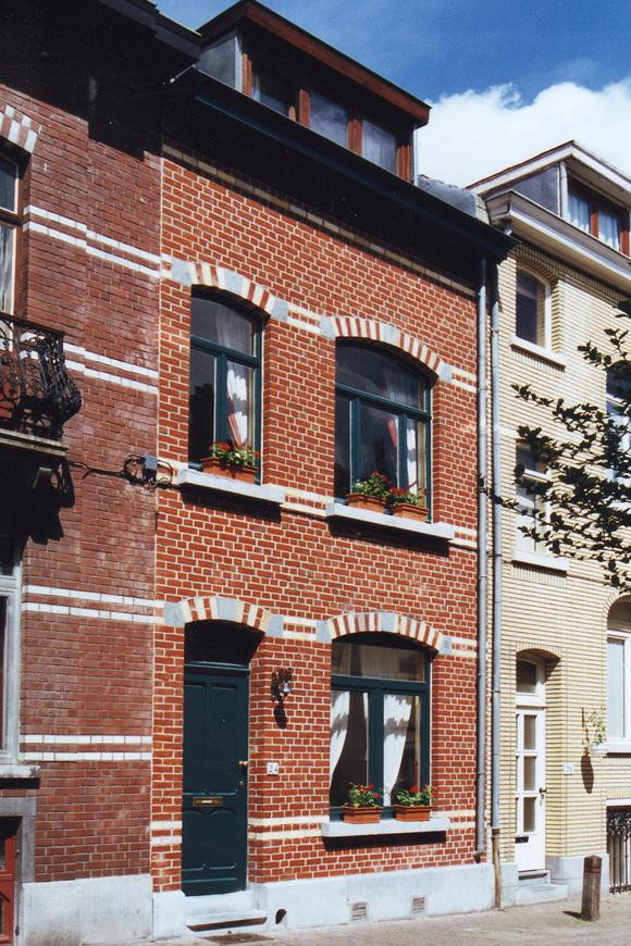 Rue Jean Deraeck 24., 2002