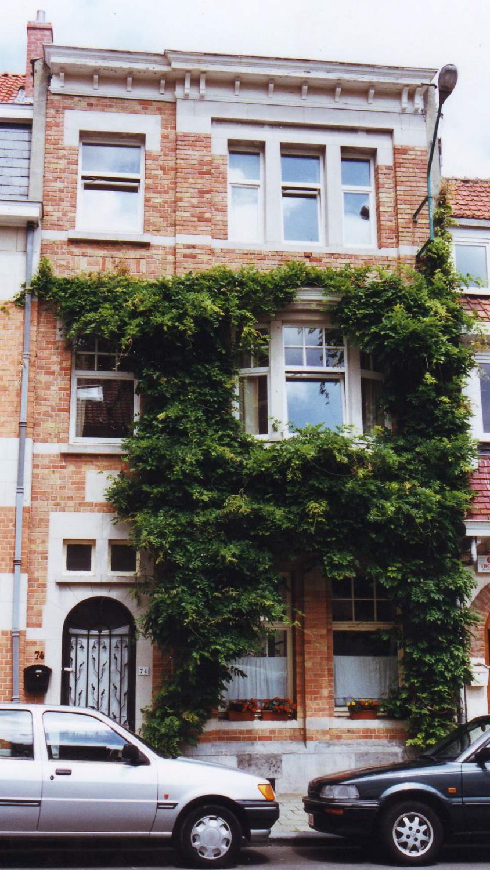 Rue Père Eudore Devroye 74., 2002