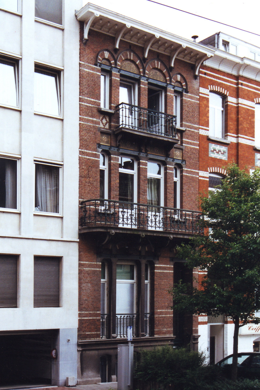 Rue Georges et Jacques Martin 2b., 2002