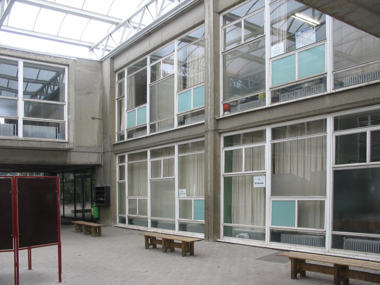 Woluwelaan, Sint-Jozefcollege, detail van het gebouw uit 1959 haaks op Woluwelaan., 2005