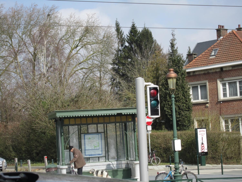 Chaussée de La Hulpe, aubette de tram, 2015