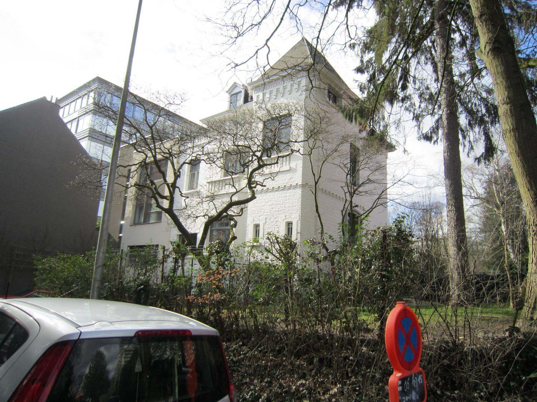 Avenue Emile Van Becelaere 12, 2015