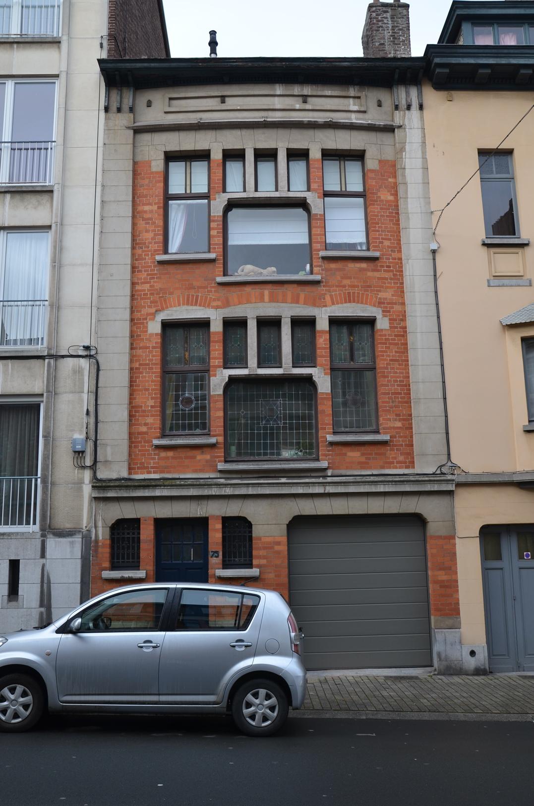 Rue Dodonée 75