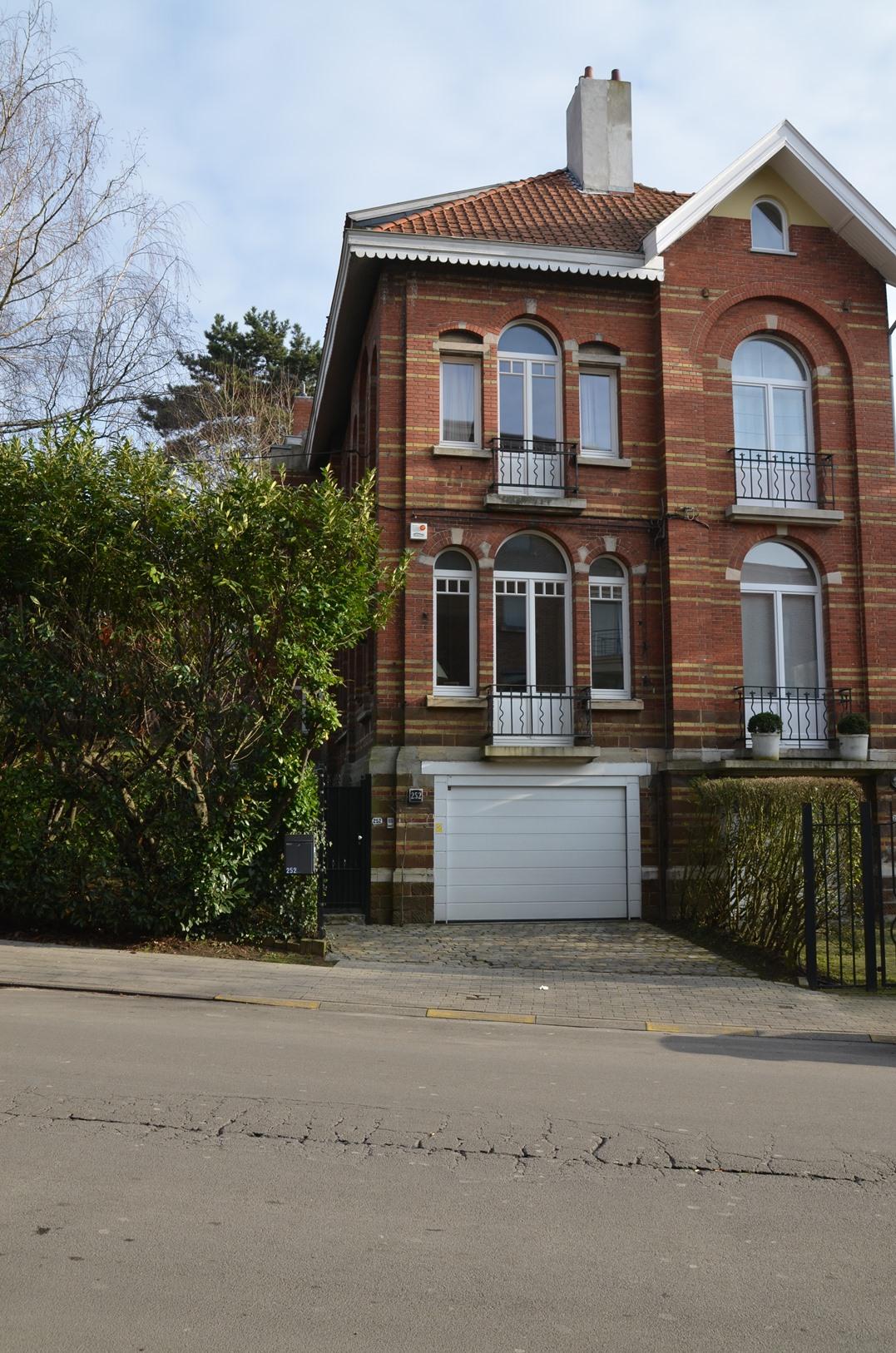 Rue Edith Cavell 252