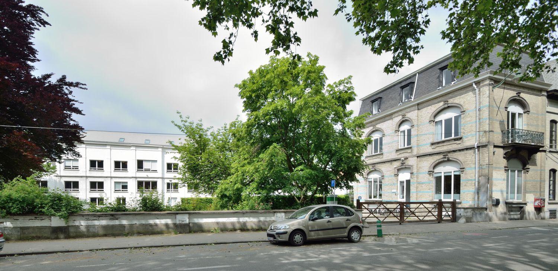 Van Volxemlaan 164-166, hoofdgebouw in achteruitbouwstrook en directeurswoning, 2019