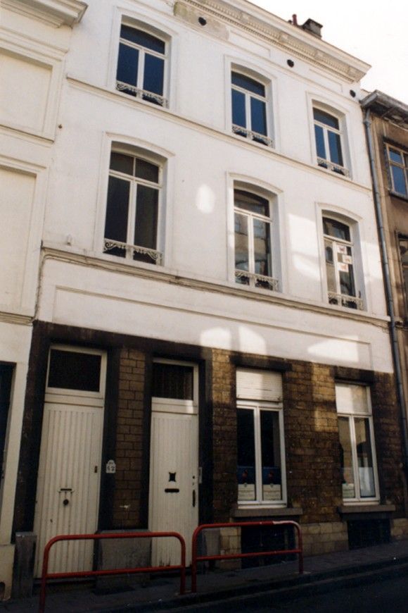 Rue de l'Abondance 42-42A (photo 1993-1995).