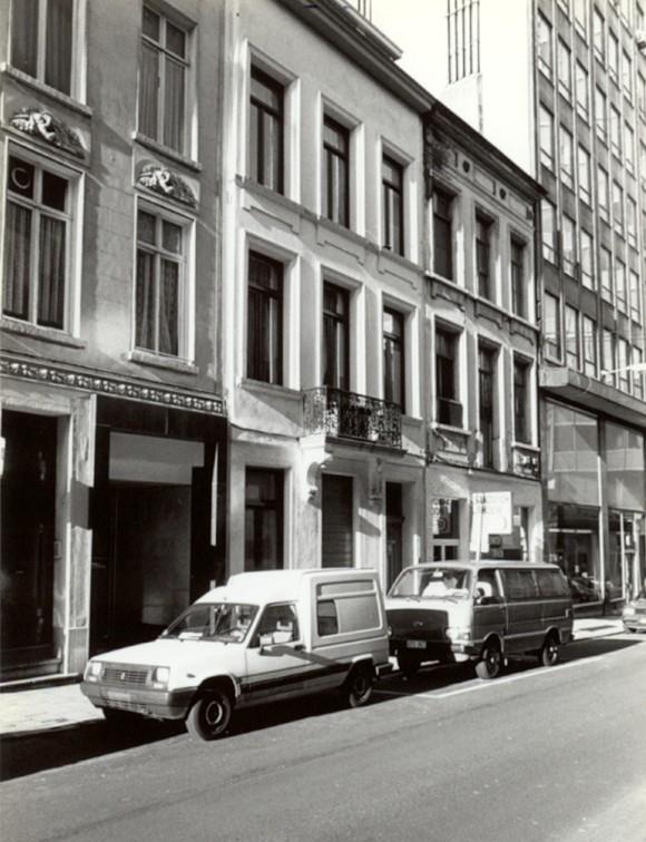 Liefdadigheidsstraat, centraal nr. 4 en 6 (foto 1993-1995).