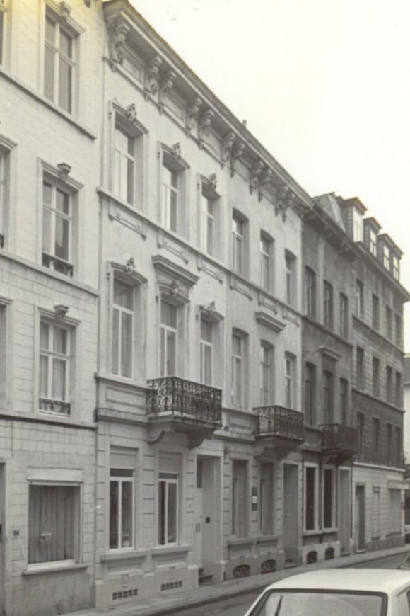 Rue Linné 41 et 43 (photo 1993-1995).