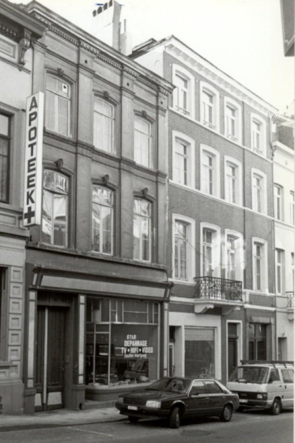 Chaussée de Louvain, à gauche le no 200 (photo 1993-1995).