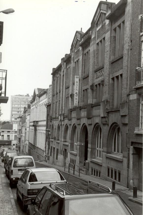 Rue Saint-François 27-23, bains publics (photo 1993-1995).