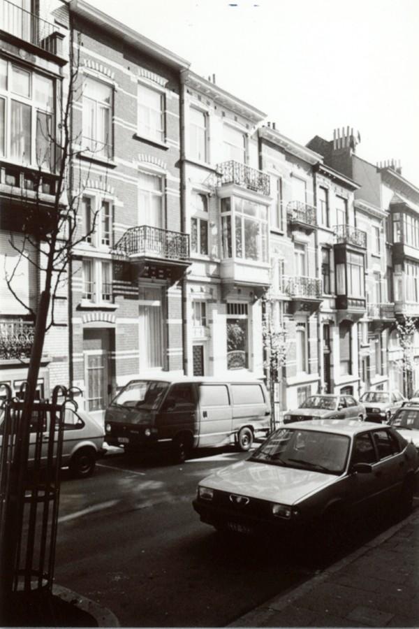 Tiberghienstraat 19 tot 27 (foto 1993-1995).