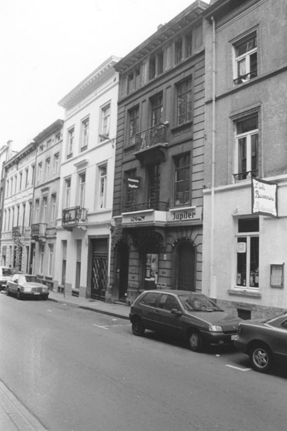 Dwarsstraat 11 (foto 1993-1995).
