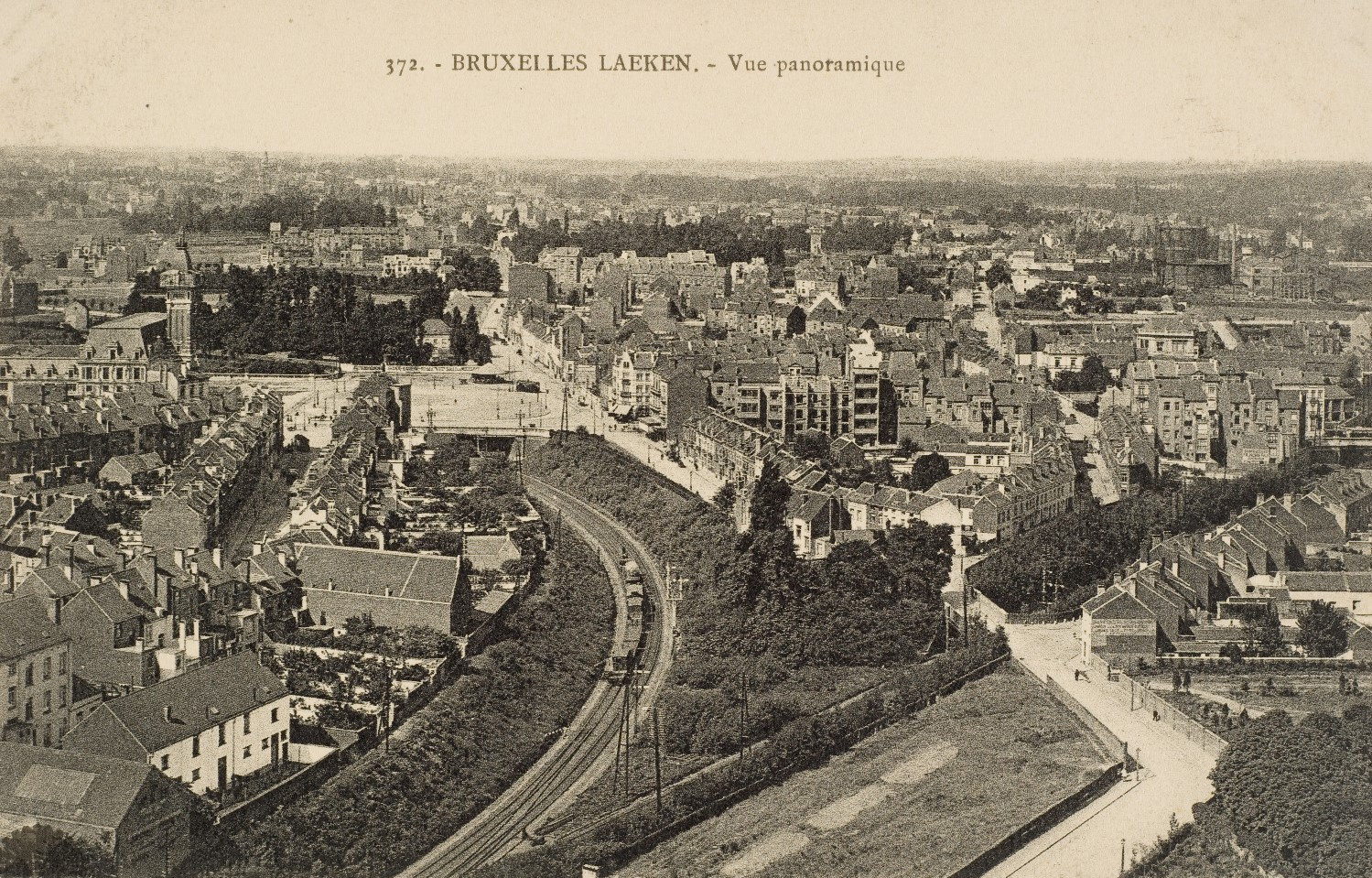 Laeken, vue panoramique en direction de la place Émile Bockstael (coll. Belfius Banque © ARB-SPRB).