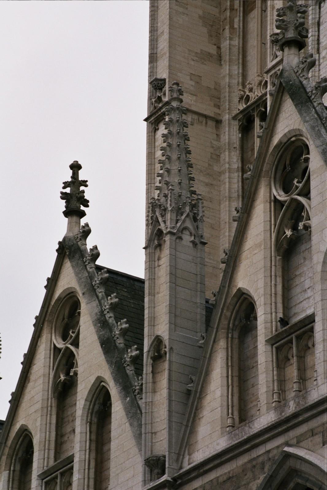 Pinacle, église Notre-Dame de la Chapelle, place de la Chapelle, Bruxelles, XVe siècle., 2005