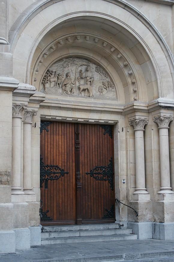 Portaal van de Sint-Gilliskerk, Sint-Gillisvoorplein, Sint-Gillis, 1866-1878, arch. Victor Besme., 2004