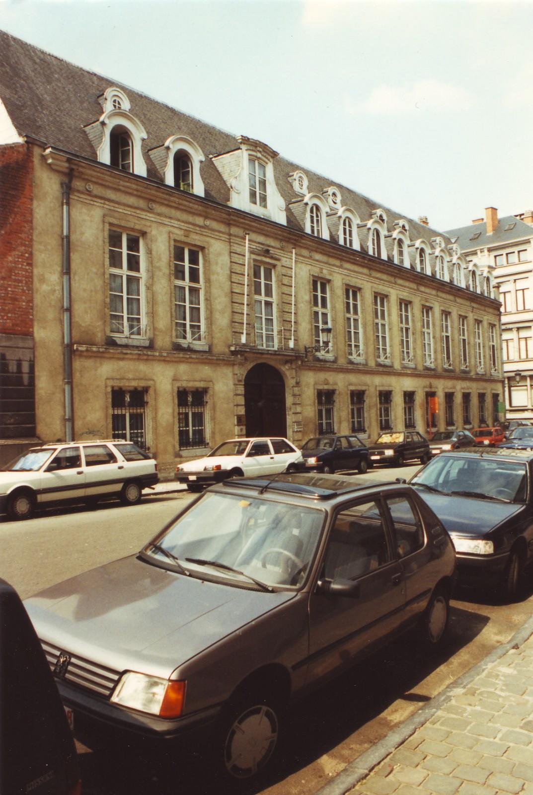 Style Louis XVI, ancien Hôtel de Beaufort, rue aux Laines 17, Bruxelles, fin du XVIIIe siècle., 1999