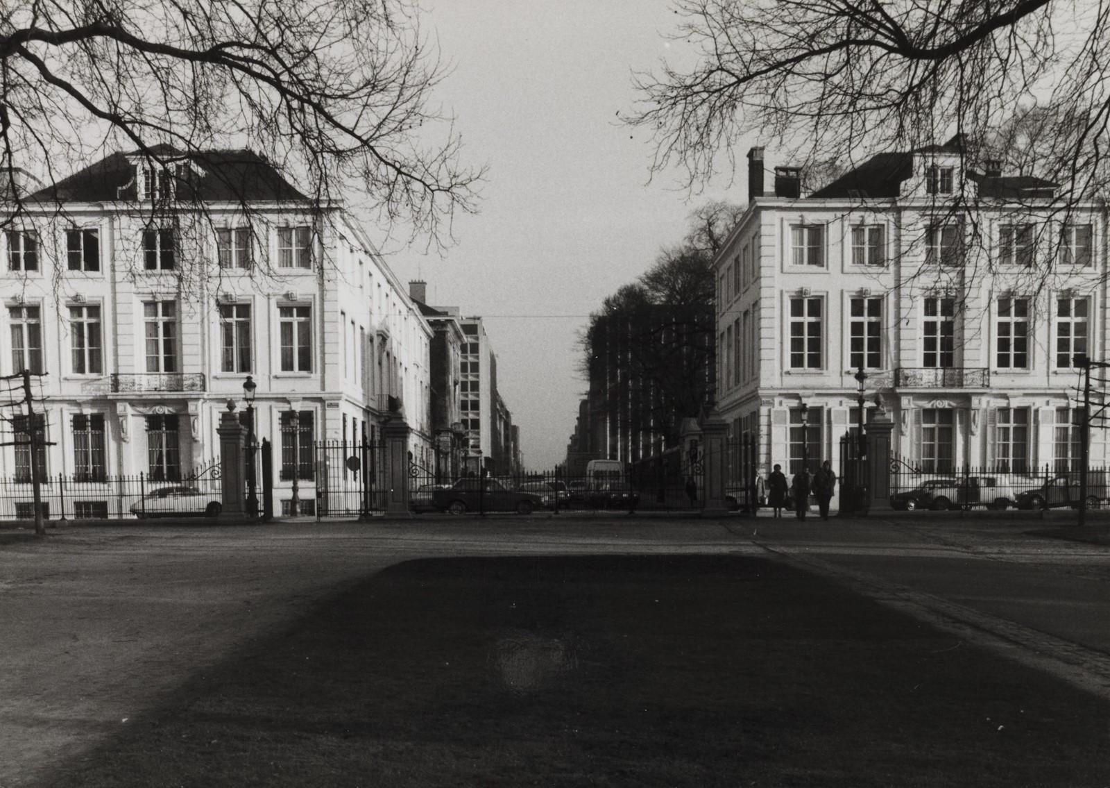 Lambermontstraat 2-4, 1, hoek Hertogsstraat. Ambtswoning van de Eerste Minister., 1981
