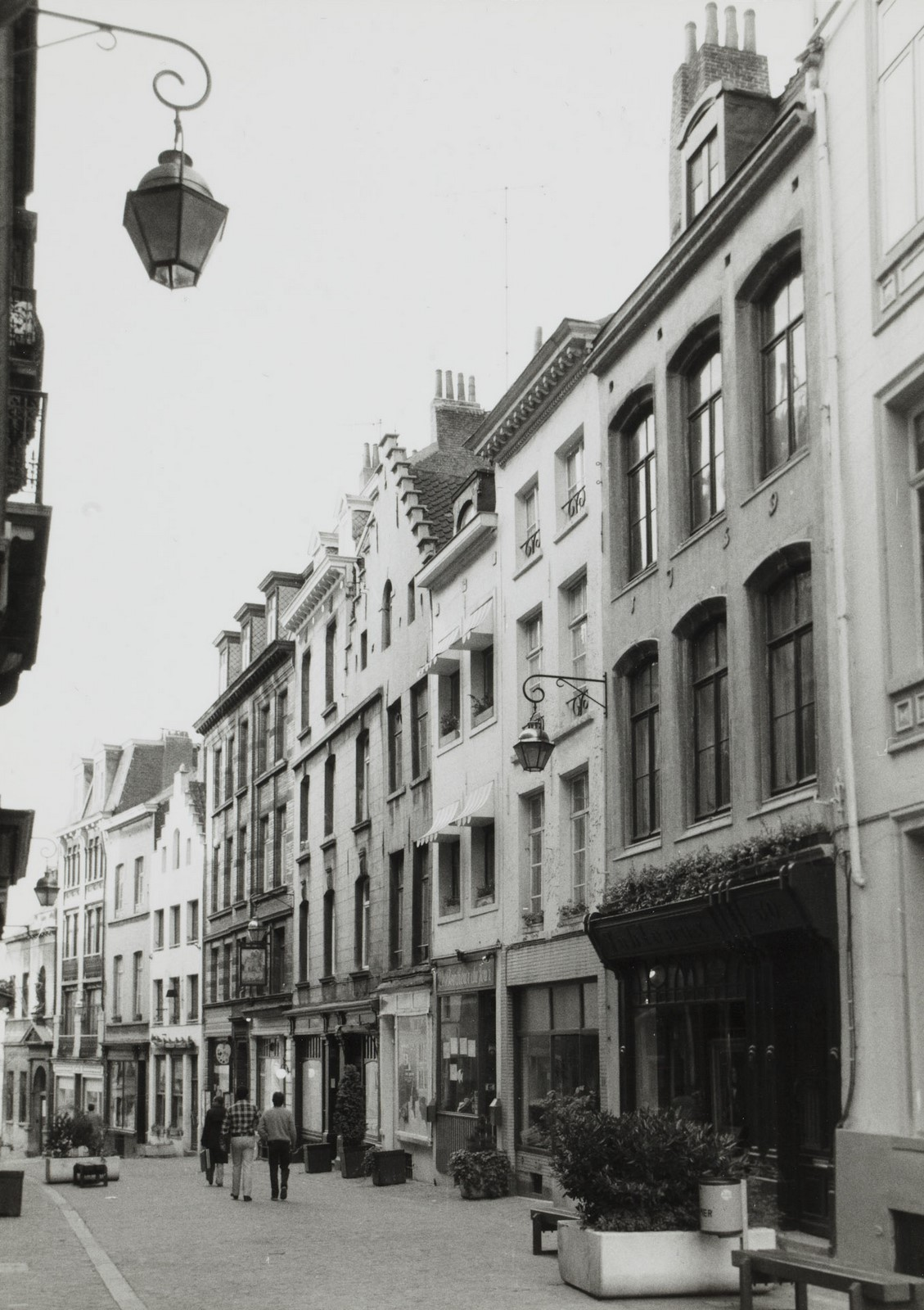 Rue de Rollebeek, numéros pairs, vue vers la rue Haute, 1980