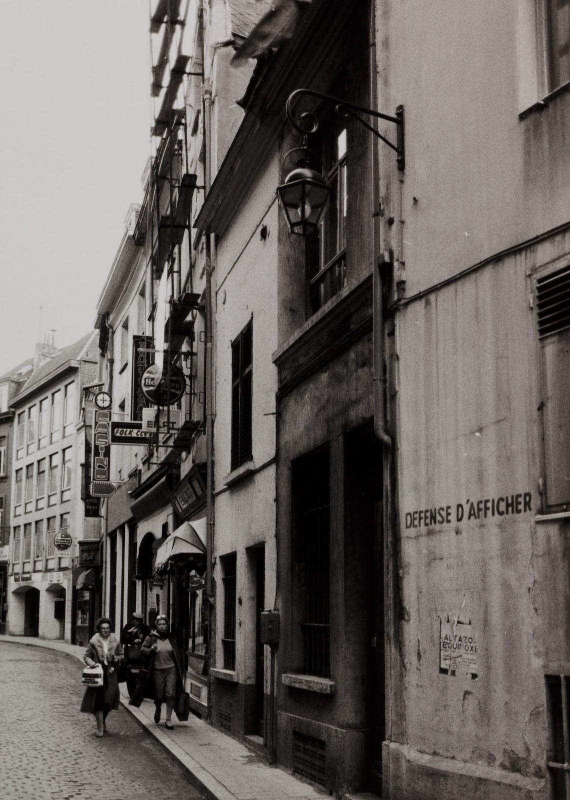 rue de la Fourche 1, 3, 5, 7 et rue du Marché aux Herbes 22, 24. Ensemble de maisons traditionnelles.