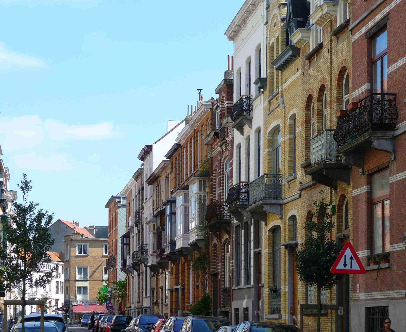 La rue Leys, second tronçon côté impair, vers l\'avenue de la Chevalerie., 2009