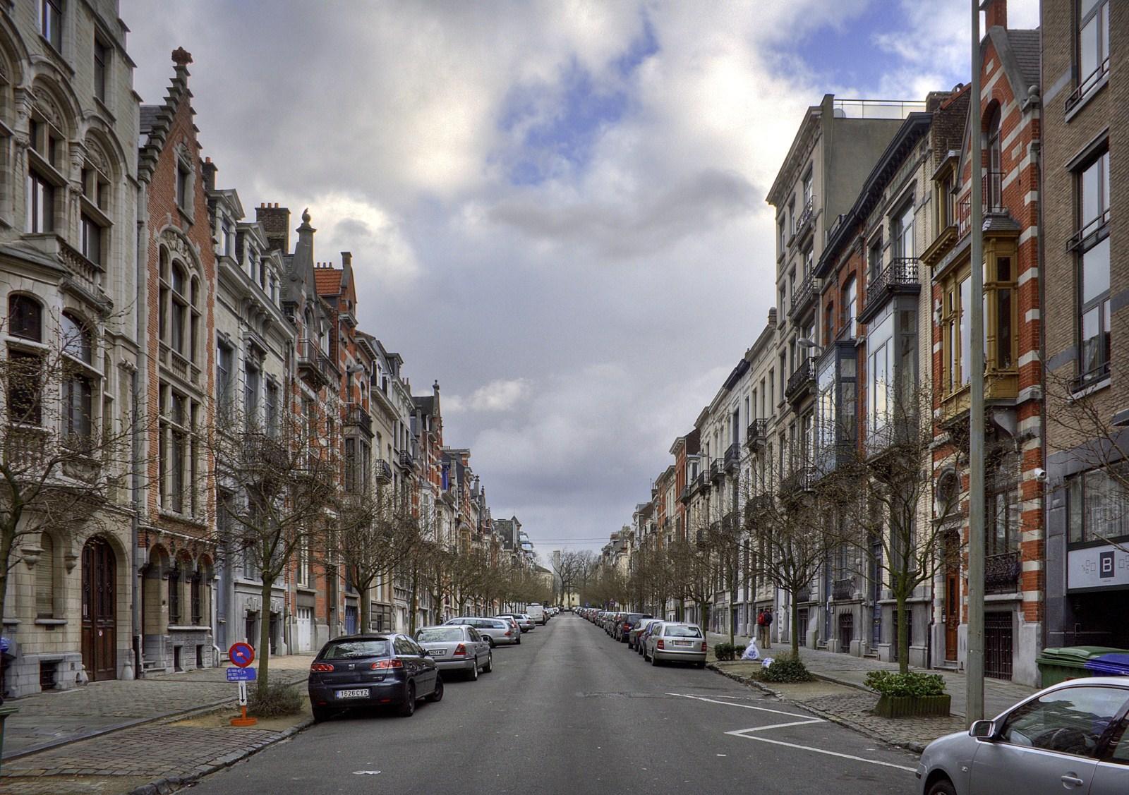 Avenue Michel-Ange, vue depuis square Ambiorix.© © V. Brunetta & M. Eberlin, 2009