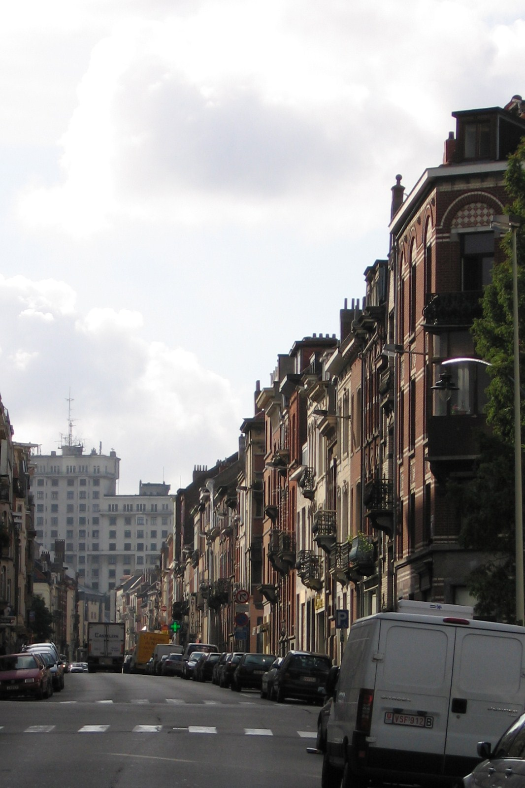 Rue du Noyer, vue depuis l'avenue de la Brabançonne., 2007