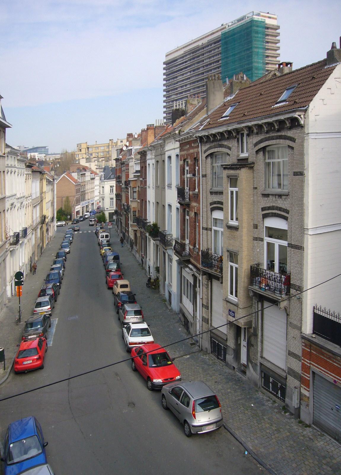 Rue de la Pacification, depuis le square Gutenberg., 2008