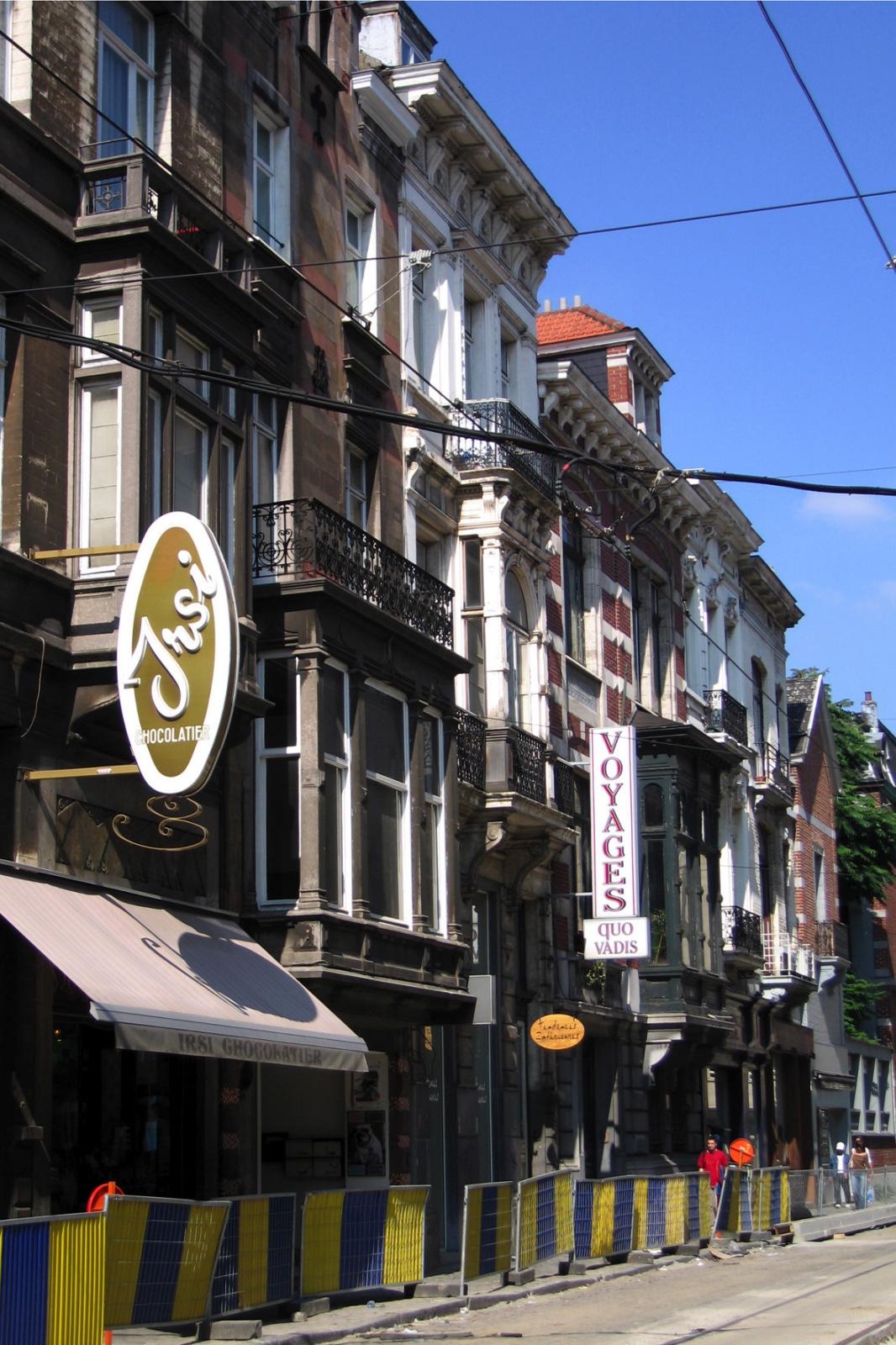 Rue du Bailli, coté impair, vue depuis la rue de Livourne vers l\'avenue Louise., 2005