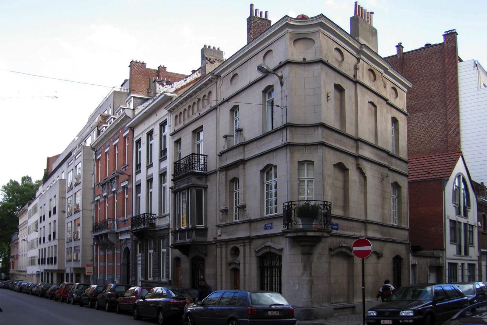 Rue De Crayer, coté pair, vue depuis la rue Van Eyck vers l\'avenue Louise., 2005