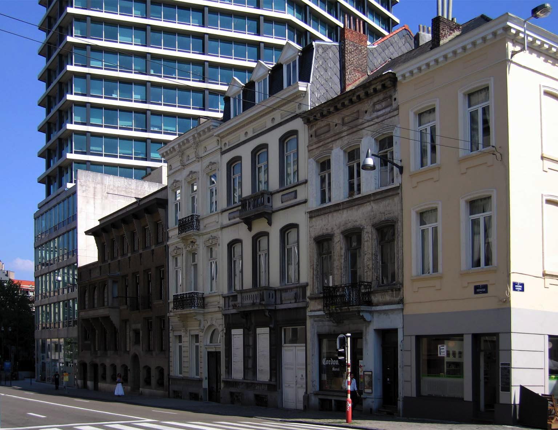 Rue Defacqz, coté pair, vue depuis la rue de Livourne vers l\'avenue Louise., 2005