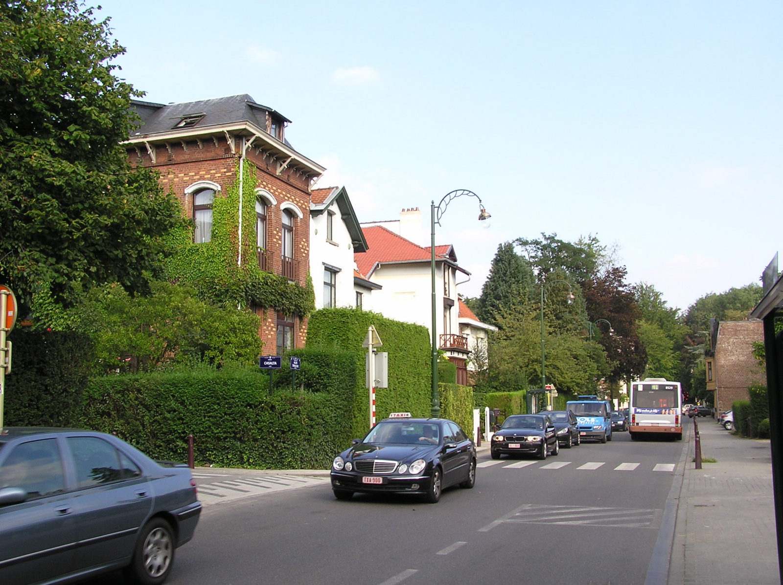 Chaussée de La Hulpe, vue depuis la chaussée de Waterloo., 2007